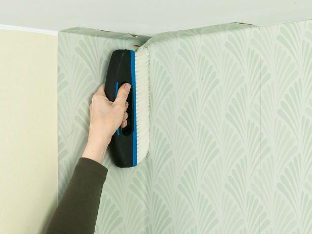 C mo empapelar paredes for Papel de empapelar paredes