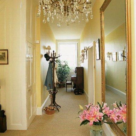 Decorar pasillos o corredores 20 fotos e ideas modernas for Espejos grandes para pasillos