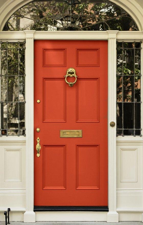 Casas con puertas blancas excellent puertas blancas for Paredes grises y puertas blancas