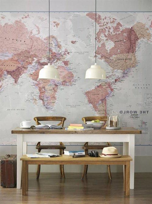 decorar las paredes con piezas desmontadas