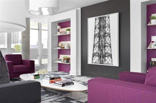 Colores para pintar el sal n combinaciones modernas - Salon gris y morado ...