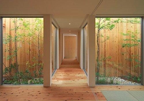 Jardines interiores modernos 25 fotos y consejos de dise o for Diseno pasillos interiores