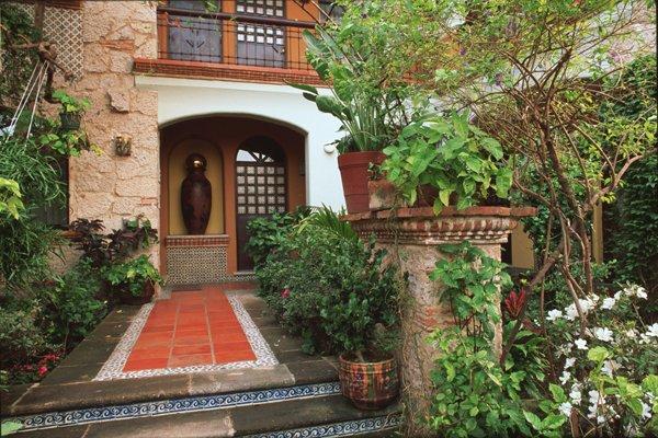 Jardines mexicanos 30 im genes e ideas para inspirarse - Jardines con adoquin ...