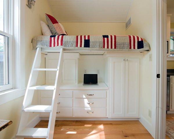 Dormitorios juveniles peque os 40 fotos e ideas ecoraideas - Camas altas con armario debajo ...