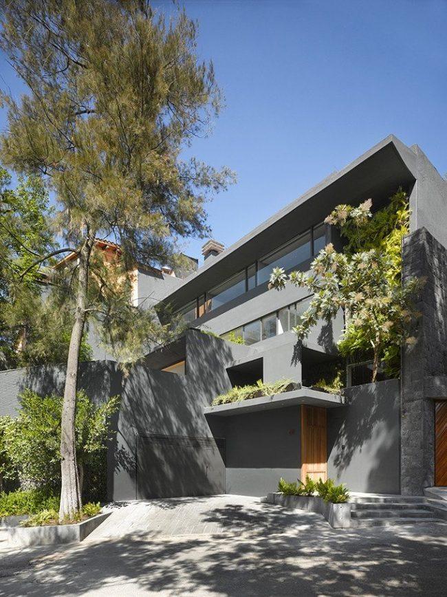 Fachada casa en gris