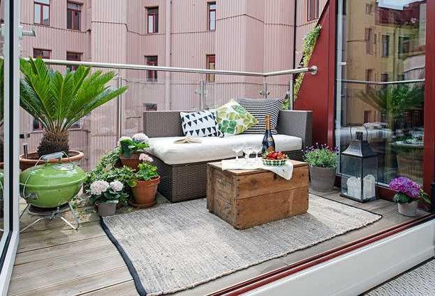 Terrazas peque as 60 fotos e ideas ecoraideas for Sillones de plastico para terrazas