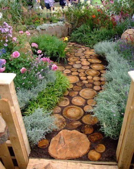 Senderos de jard n 3 ideas f ciles y baratas decora ideas for Casas para jardin baratas