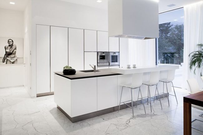 Cocinas modernas 2018 150 fotos dise o y decoraci n for Cocinas cuadradas modernas