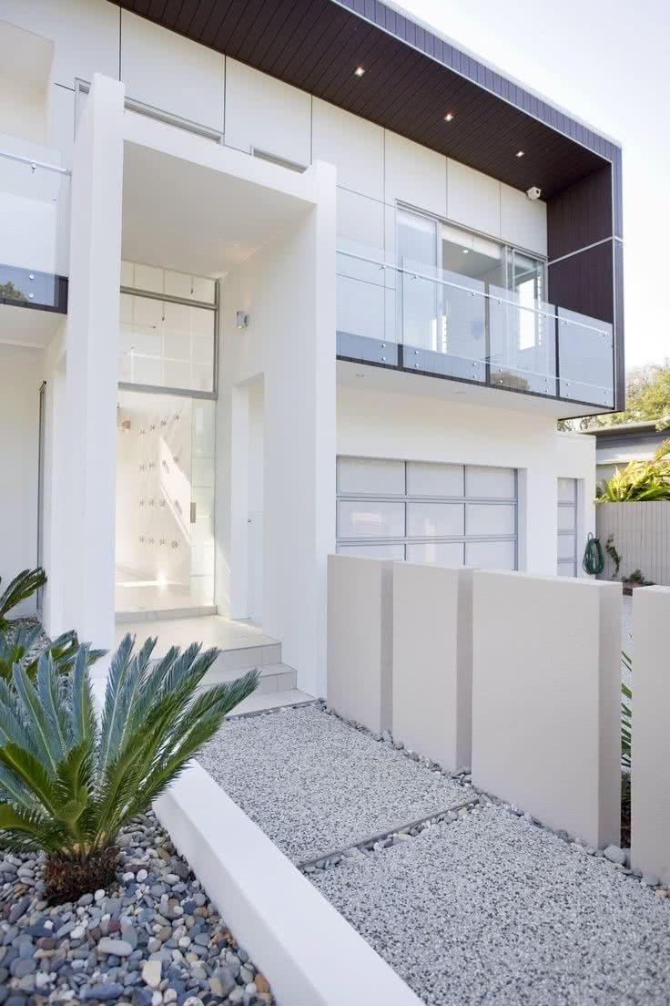 Fachadas de casas modernas 2019 de 70 fotos for Fachadas modernas para casas de tres pisos